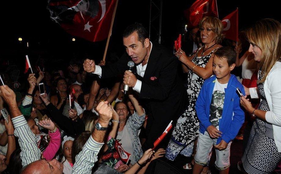 Ferhat Göçer 30 Ağustos Zafer Bayramı'nı Çeşmeliler ile Kutladı!