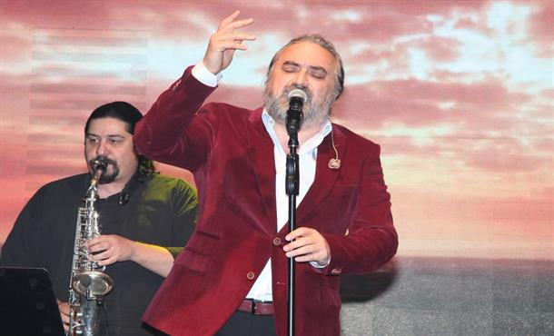 Volkan Konak Kıbrıs'ta Konser Verdi!