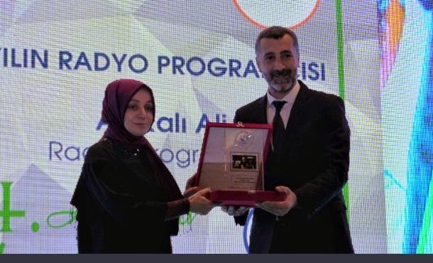 Yılın En İyi Radyo Programcısı Afrikalı Ali