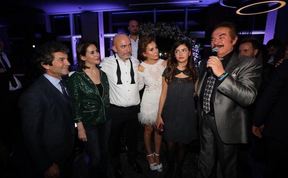 Didem & Mehmet Akbay'ın Özel Daveti Sanatçı Dostlarının Katılımıyla Gerçekleşti!