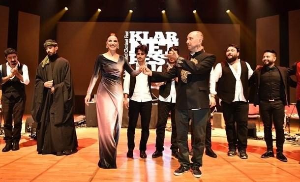 Mercan Dede ve Zara Konserlerini Barışa İthaf Etti