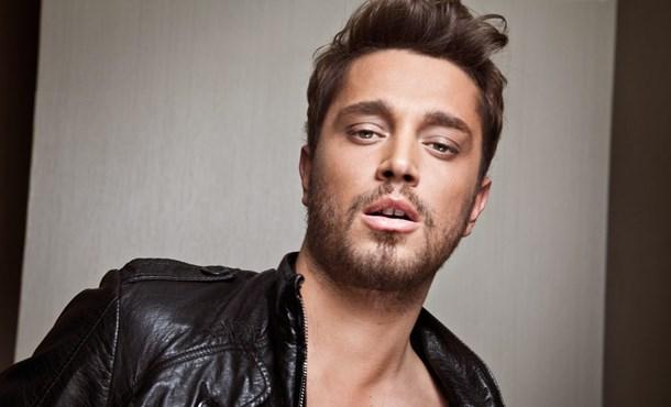 Murat Boz Almanya'da Türk Pop Müziği En İyi Erkek Sanatçısı Oldu !