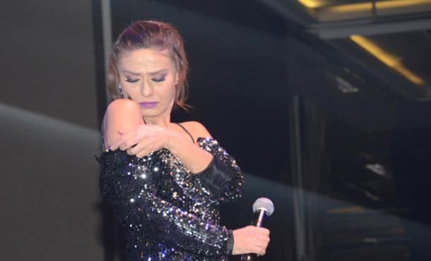 Yıldız Tilbe, İzmir'de Sahneye Çıktı!