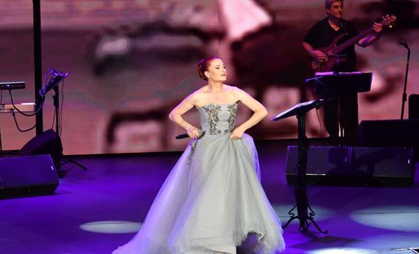 Candan Erçetin'den Açıkhava'da Muhteşem Final