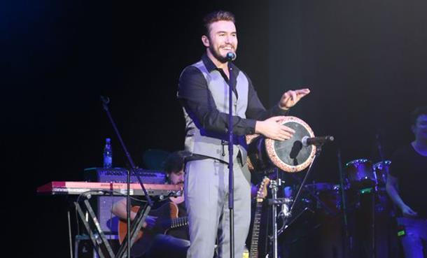 Mustafa Ceceli'den Rusya Konseri!