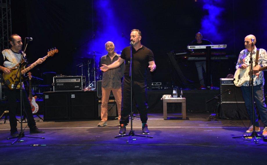 MFÖ Konserinde Cem Yılmaz Damgası