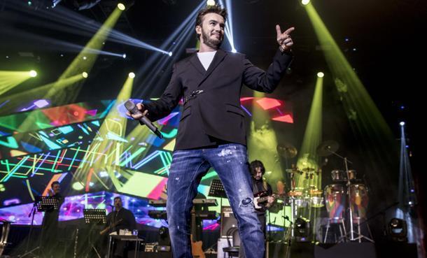 Mustafa Ceceli'den İki Bin Kişiye Romantik Konser!