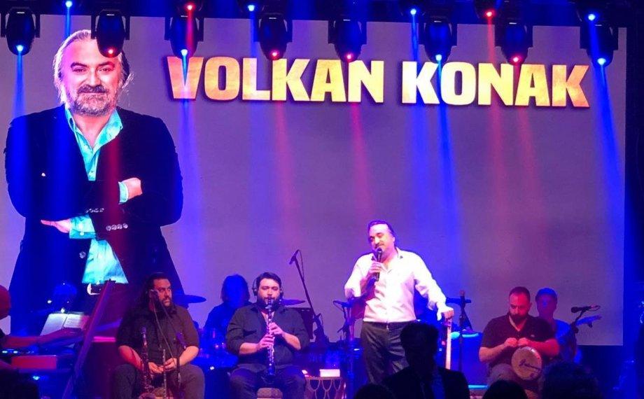 Volkan Konak Kıbrıs'ta Sahneye Çıktı!