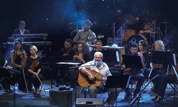 """Bülent Ortaçgil'den """"Senfonik Ortaçgil"""" Albümü"""