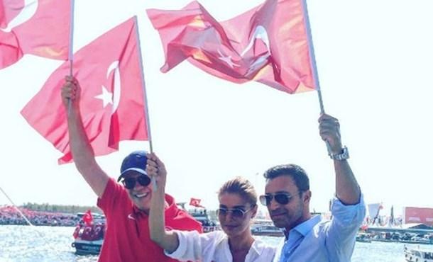 Gülben Ergen ve Mustafa Sandal Demokrasi Nöbetinde!