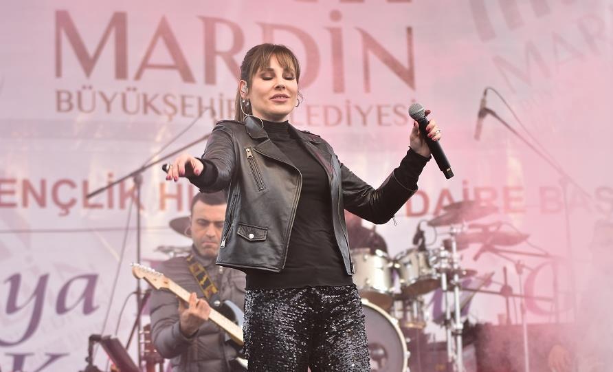 Funda Arar Mardin'de Sahneye Çıktı!