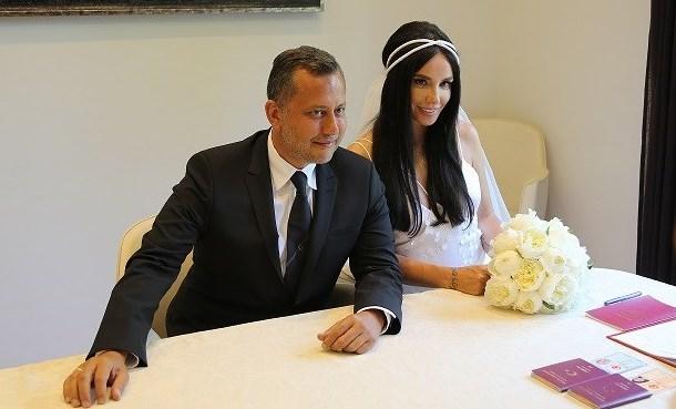 Gülşen ve Ozan Çolakoğlu Evlendi !