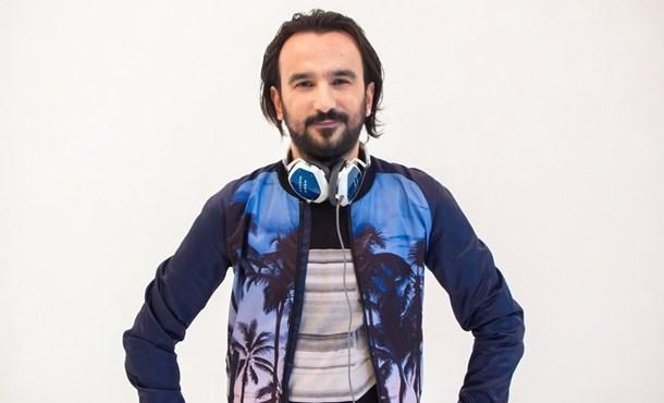 """Yalçın Aşan ft.Dilek Acar """"Hani Dünya Tatlısı"""" Müzikmarketlerde!"""