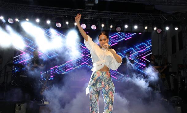 Derya Uluğ, 59. Uluslararası Akşehir Nasreddin Hoca Şenliği Kapsamında Konser Verdi!