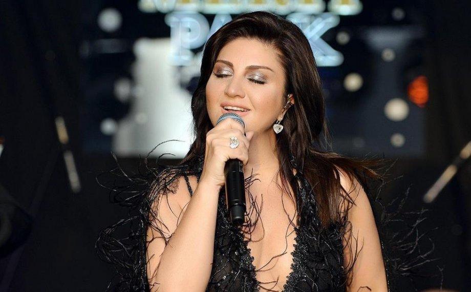 Yeni Albüm Öncesi Sibel Can Kıbrıs'ta Konser Verdi!